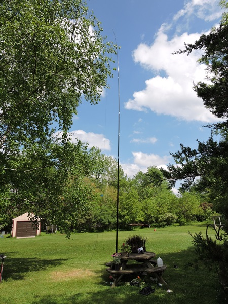 EARCHI antenna on a Spiderbeam pole